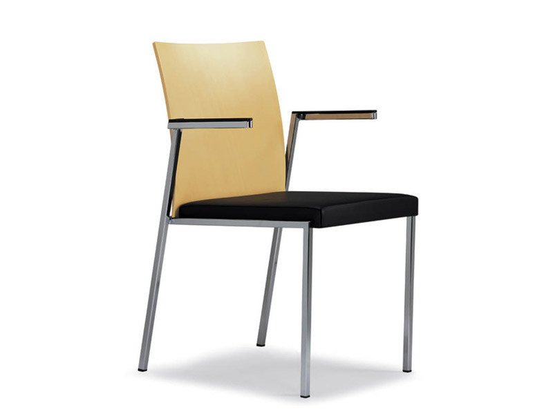 Stackable leather visitor's chair with Armrests MILANOCLASSIC | Chair with armrests by Brunner