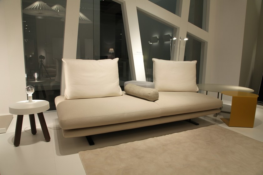panca imbottita in tessuto prado ligne roset. Black Bedroom Furniture Sets. Home Design Ideas