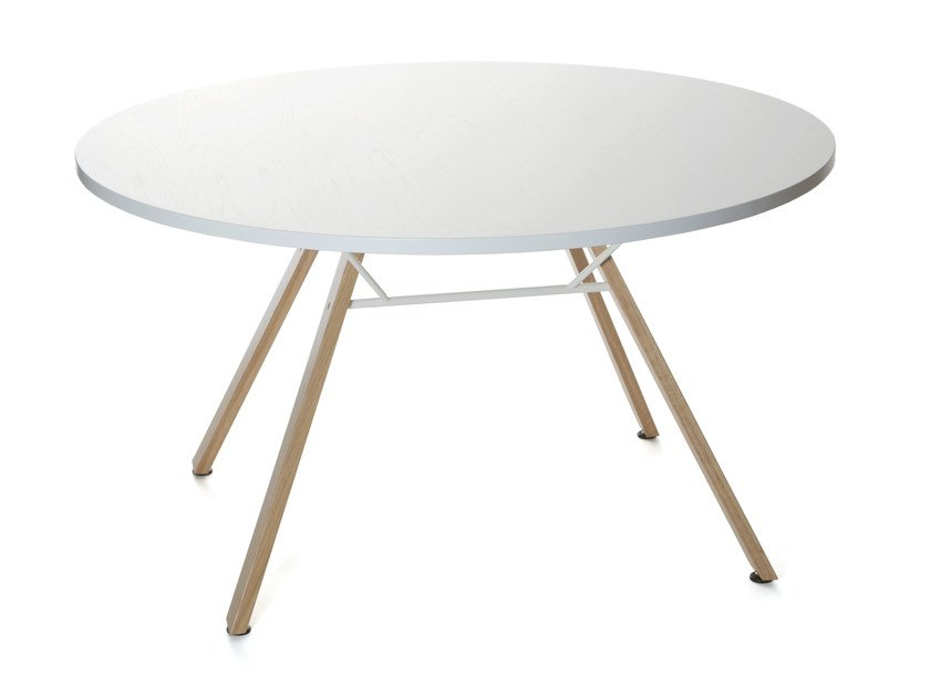 Round table Wooden table - Inno Interior Oy