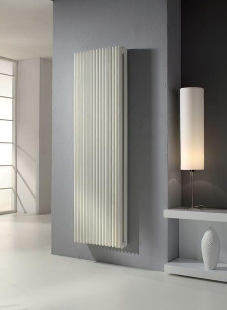 Radiatore verticale in acciaio verniciato a polvere a - Radiatori a parete prezzi ...