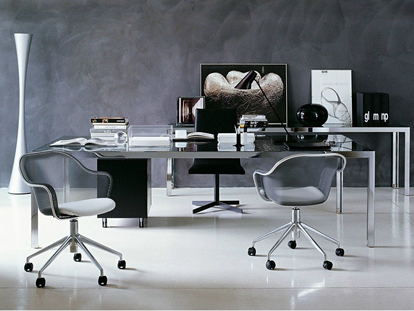 Mesh task chair with 5-Spoke base IUTA by B&B Italia Project
