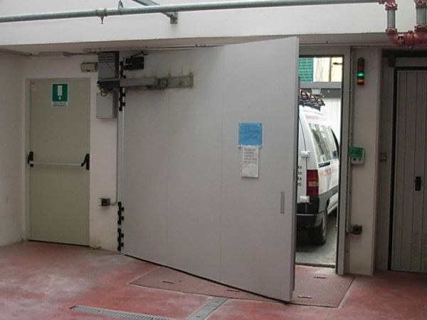 Automatic Industrial Fire stop door Industrial Fire stop door - CARMEC