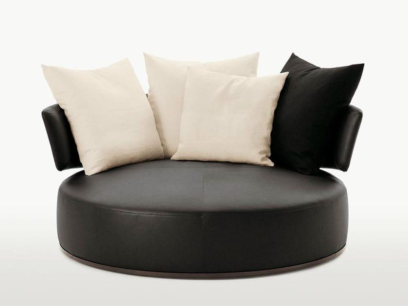 Divano rotondo girevole in pelle amoenus divano in pelle for Divano rotondo