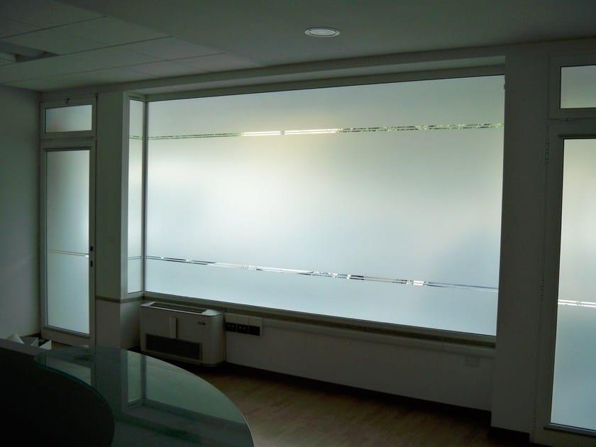 Pellicola per vetri decorativa pellicole traslucide opache foster t c - Pellicole vetri finestre ...