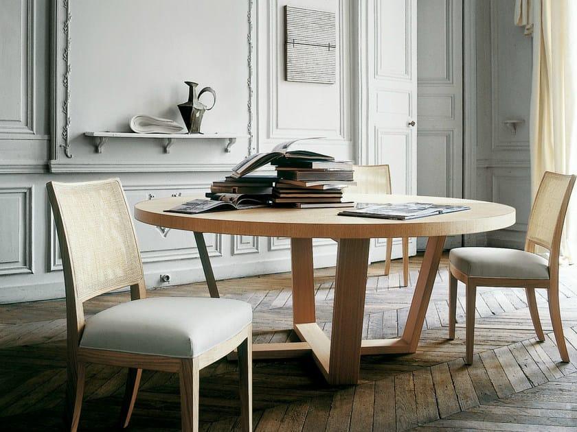 Tavolo rotondo in legno con lazy susan xilos tavolo for Tavolo rotondo legno chiaro