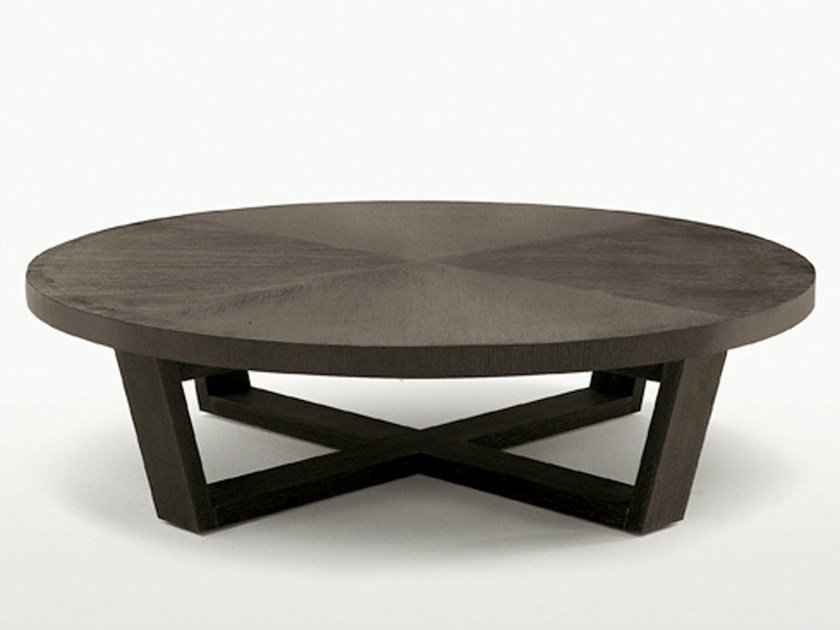 Round solid wood coffee table XILOS | Round coffee table - Maxalto, a brand of B&B Italia Spa