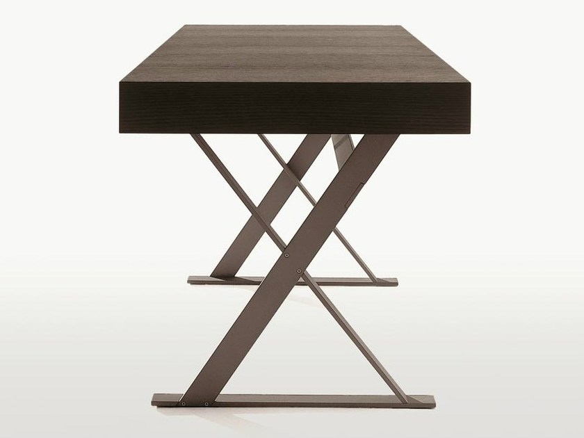 Solid wood writing desk MAX | Writing desk - Maxalto, a brand of B&B Italia Spa
