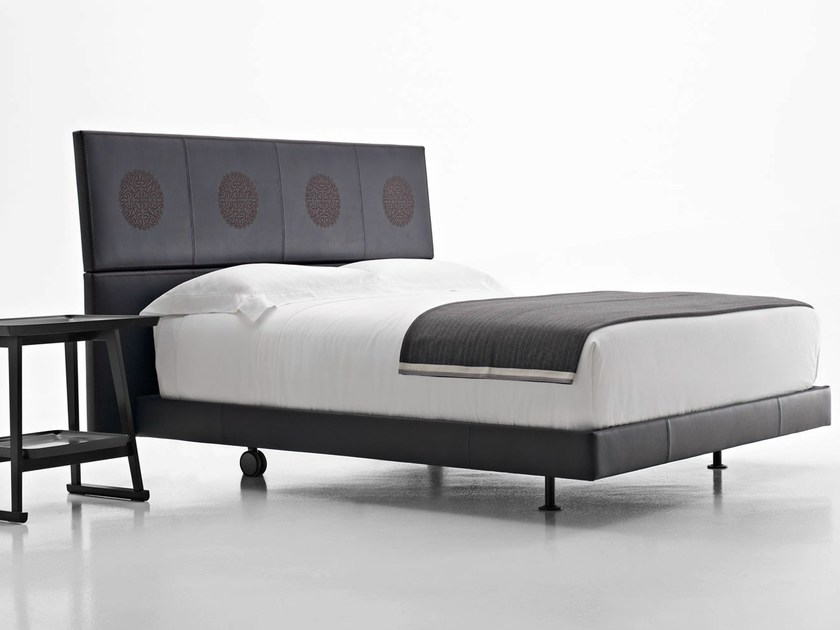 Leather double bed ERIK by Maxalto
