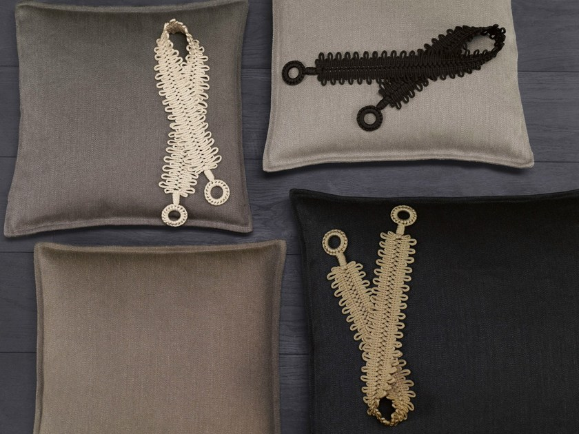 embrasses de rideaux accessoires pour rideaux archiproducts. Black Bedroom Furniture Sets. Home Design Ideas