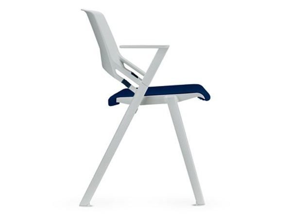 Plastic chair with linking device with armrests GREEN'S | Plastic chair - SitLand