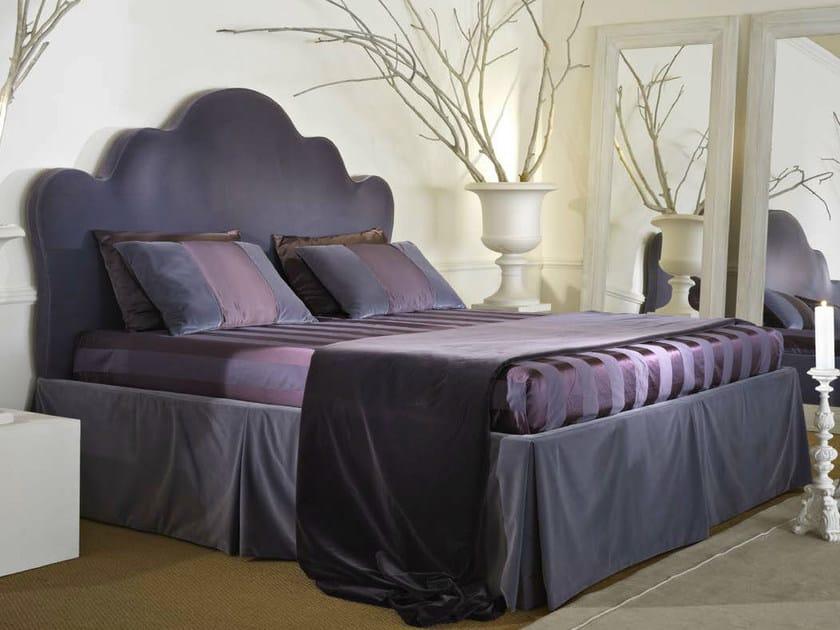 Letto matrimoniale in tessuto leone softhouse - Leone e capricorno a letto ...