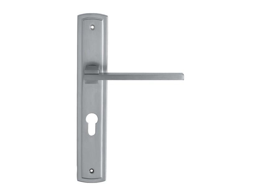 Chromed brass door handle on back plate SLIM | Door handle on back plate by LINEA CALI'