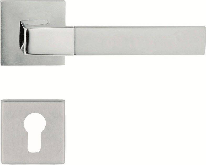Chromed brass door handle on rose with lock THAIS | Door handle on rose - LINEA CALI'