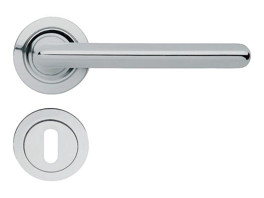 Chromed brass door handle on rose with lock TRENDY | Door handle on rose - LINEA CALI'