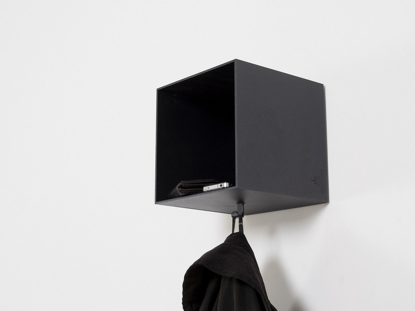 Wall-mounted iron coat rack LOBBY - Röshults