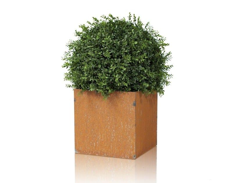 Low iron planter LINNÉ | Low planter - Röshults