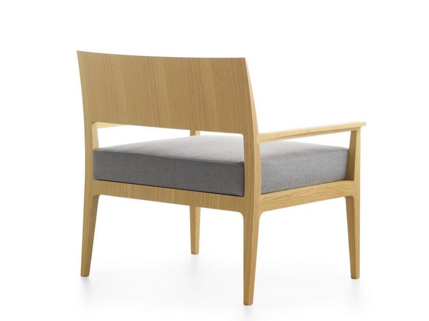 Upholstered wooden armchair ANNA XXL - Crassevig