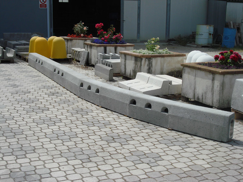 Wheel stop parking kerb Cordolo Canaletta Drenante - GIORNI OSCAR Prefabbricati