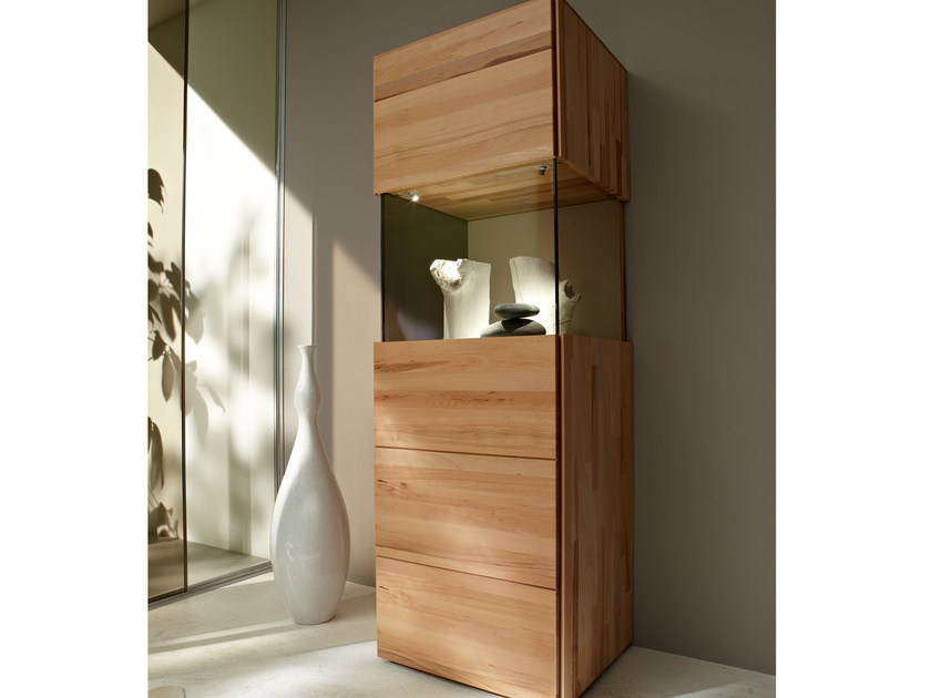 vetrina in faggio elea ii collezione elea ii by h lsta. Black Bedroom Furniture Sets. Home Design Ideas