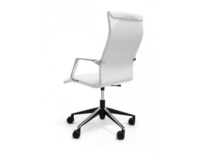 Height-adjustable executive chair with armrests NEUVOS - Nikari