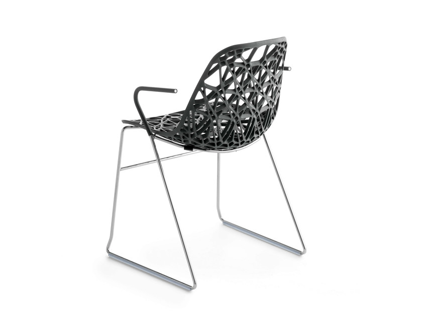 Sled base stackable chair with armrests NETT P - Crassevig
