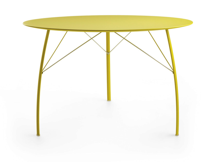 Lacquered round wooden table SOSPESO R - Crassevig
