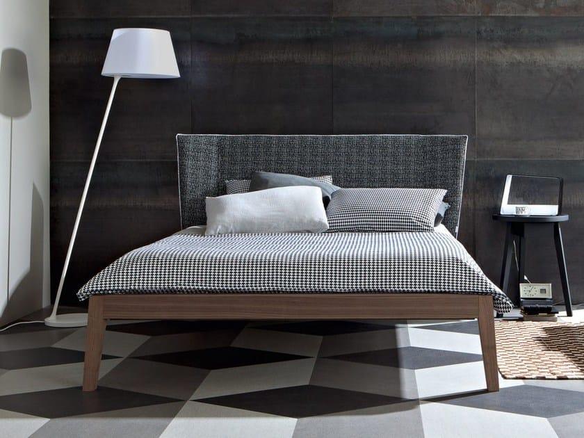 Double bed with upholstered headboard GRAY 77 I - Gervasoni