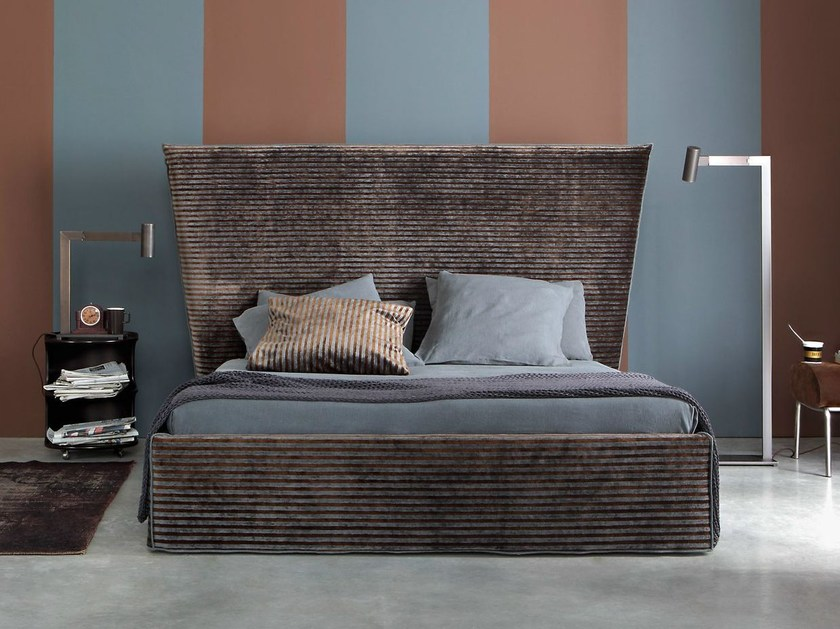 Double bed with high headboard CAPRI - Letti&Co.