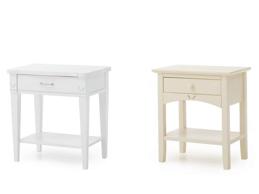 Solid wood bedside table with drawers NOTTINGHAM - Minacciolo