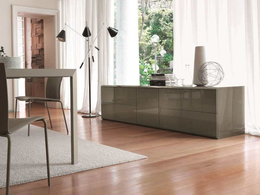 Wood and glass sideboard ALY GLASS | Lacquered sideboard by Bontempi Casa