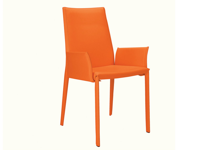 High-back leather chair with armrests D26 | Chair with armrests - Hülsta-Werke Hüls