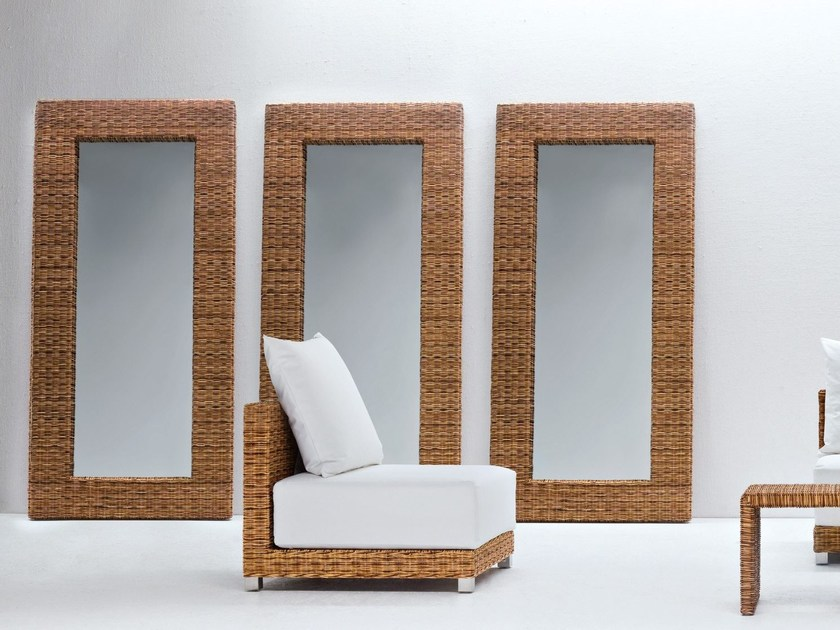 Rectangular framed mirror in handwoven dark pulut NET 98 - Gervasoni