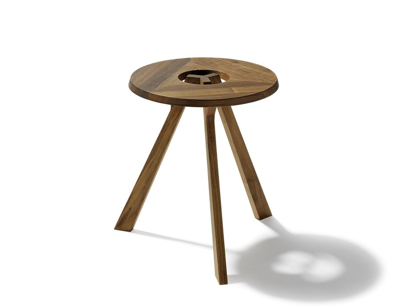Low wooden coffee table treeO by TEAM 7