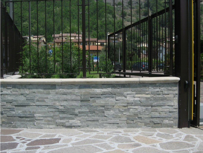 Outdoor quartzite wall tiles QUARZITE GRIGIA - GRANULATI ZANDOBBIO