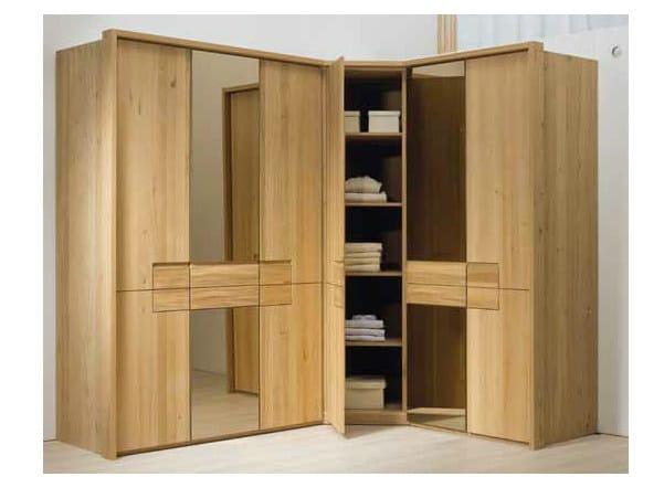 armoire d 39 angle en bois massif collection v rivera by voglauer. Black Bedroom Furniture Sets. Home Design Ideas