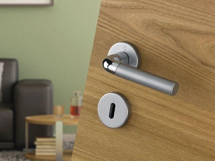 Aluminium door handle on rose with lock BREMEN | Aluminium door handle - HOPPE
