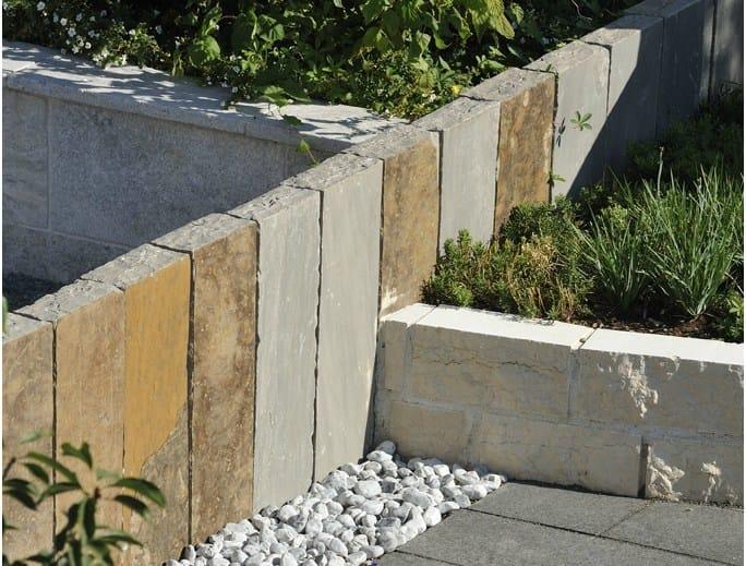Palizzata in arenaria recinzione in pietra naturale - Palizzate per giardino ...