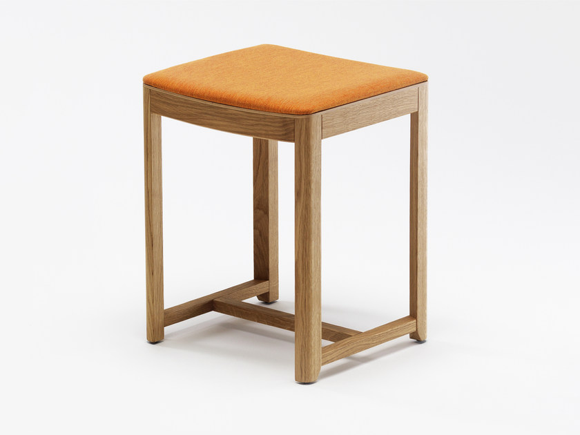 Low upholstered stool SELERI | Upholstered stool by Zilio A&C