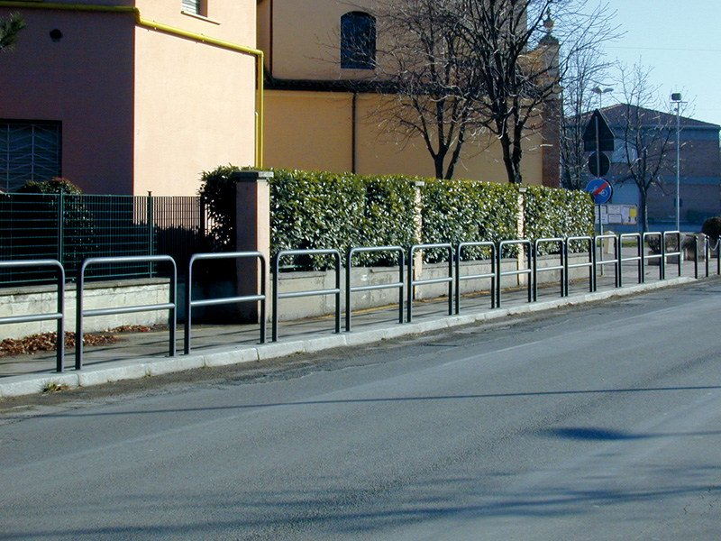 Galvanized steel pedestrian barrier PLOT 1500 - SMEC