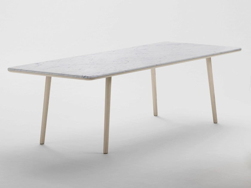 Arin table rectangulaire by retegui design jean louis iratzoki for Table salle a manger marbre design