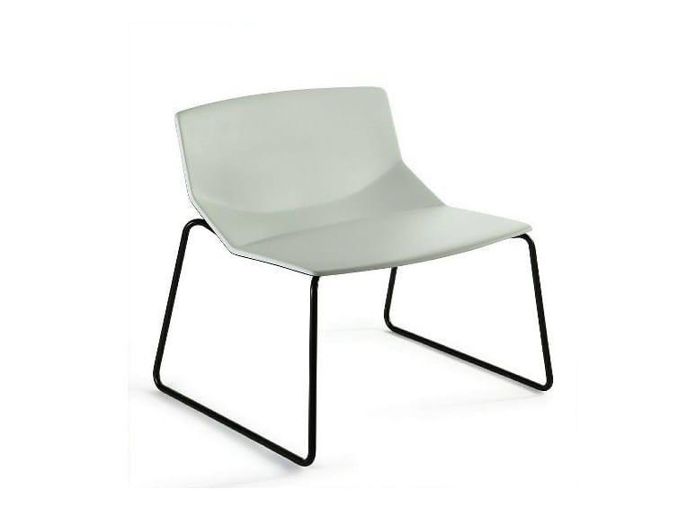 Sled base easy chair FORMULA TECH LO | Polyurethane armchair by arrmet