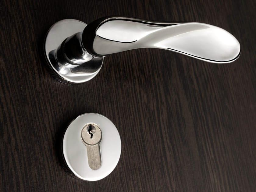 Brass door handle with lock FEDORA - dnd by Martinelli