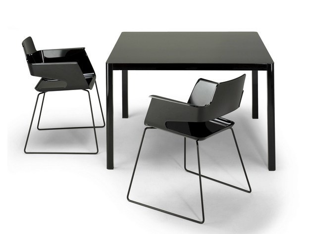 La table 80x80 tavolo quadrato by arrmet for Table 6 2 ar 71 32