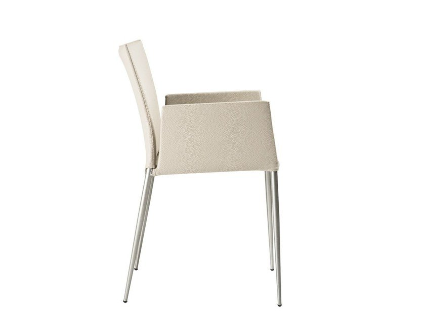 Upholstered chair with armrests MOKA | Chair with armrests - ONDARRETA