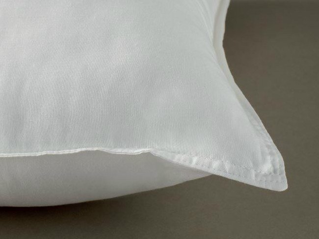 Anti-mite rectangular polyester pillow AEGIS by Demaflex