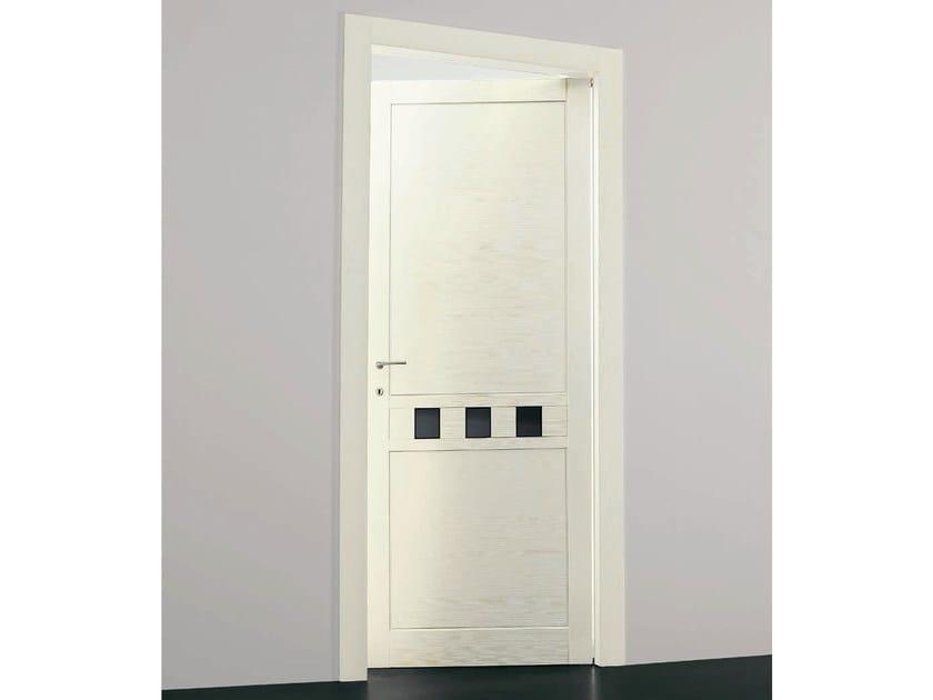 Porta a battente in legno massello con inserti in vetro for Porta vetro battente