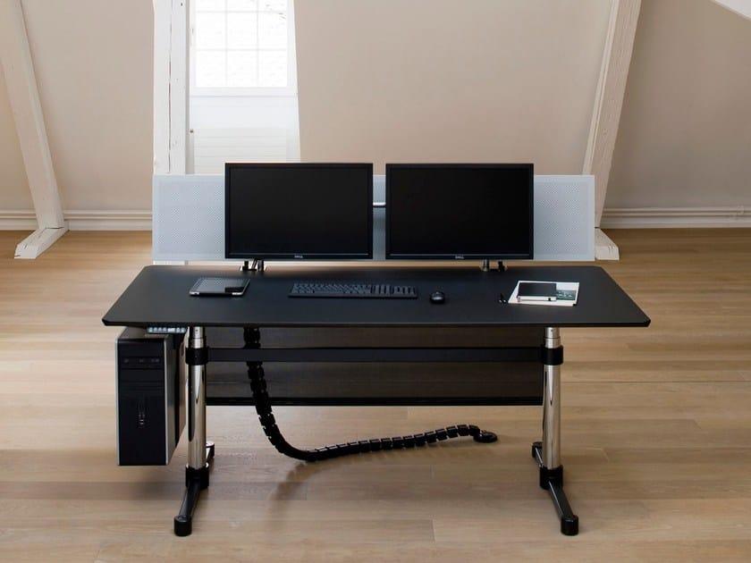 usm kitos e advanced height adjustable office desk by usm modular furniture. Black Bedroom Furniture Sets. Home Design Ideas