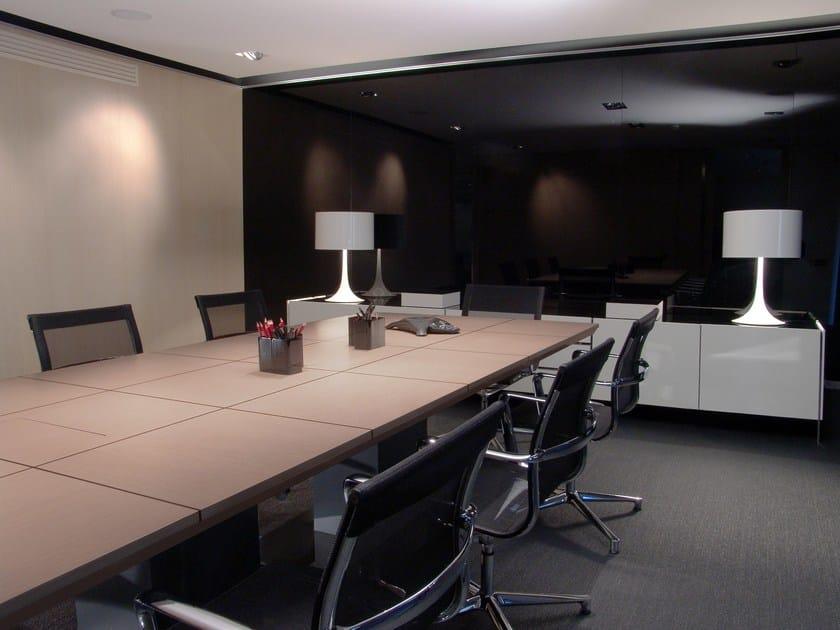 Tavolo da riunione rettangolare in legno mr 1 8 tavolo for Arredo martinez