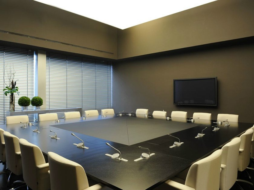 Square leather meeting table PARK AVENUE | Square meeting table by JOSE MARTINEZ MEDINA