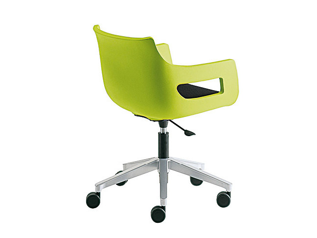 Chair with 5-spoke base with casters DAY&NIGHT | Chair with casters - Sesta